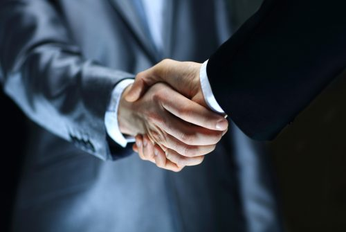 Business-handshake-contract